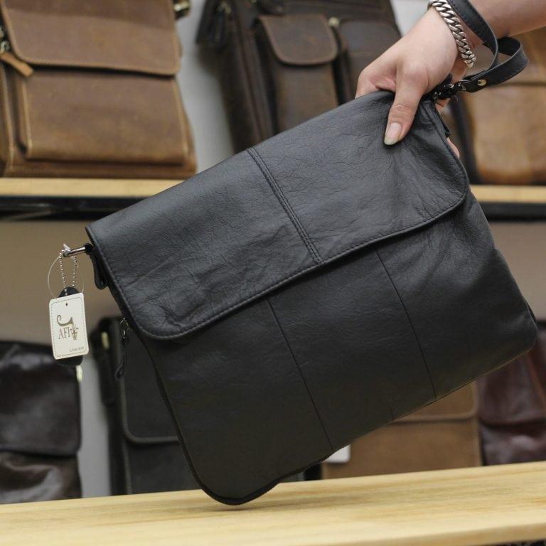 Túi đeo chéo nam công sở CD011 màu đen