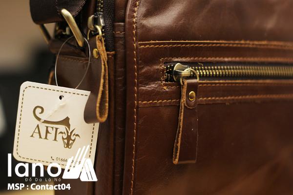 Túi đeo chéo nam da bò Contact 04 chi tiết nhỏ