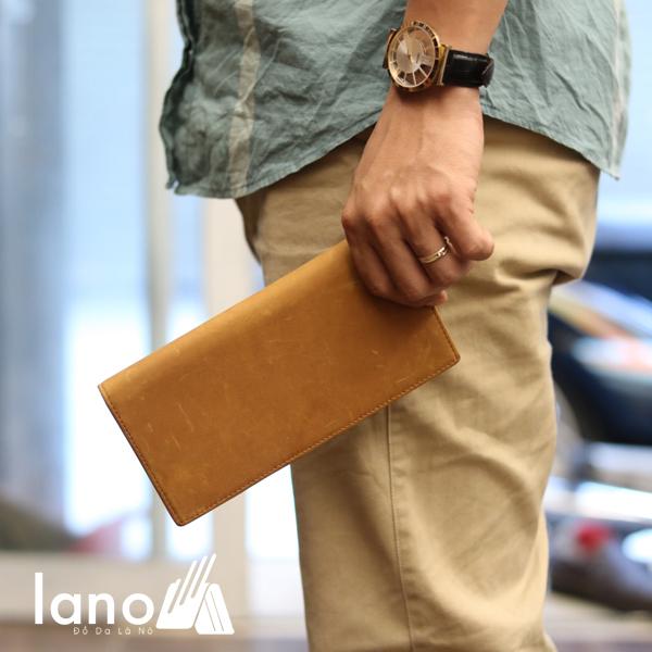 Ví dài cầm tay cho nam da bò sáp thời trang công sở VCTN011 vàng - trên tay