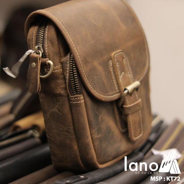 Túi đeo chéo nam kiểu dáng mini da bò sáp KT72 nghiêng