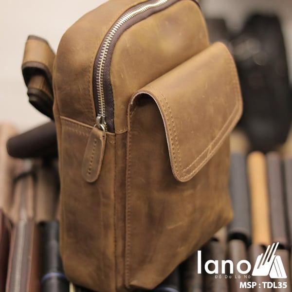 Túi da đeo chéo ngực nam Lano thời trang cao cấp TDL35 nghiêng mặt trước