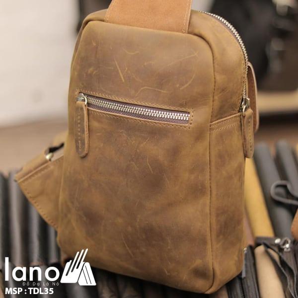 Túi da đeo chéo ngực nam Lano thời trang cao cấp TDL35 nghiêng mặt sau