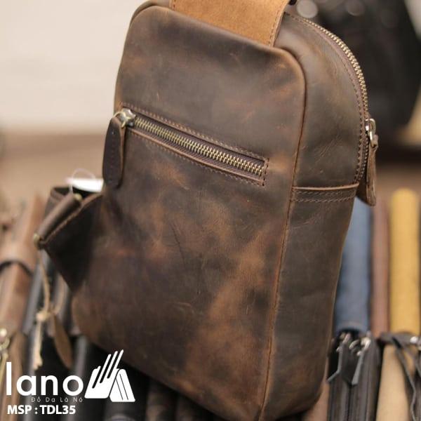 Túi da đeo chéo ngực nam Lano thời trang cao cấp TDL35 nâu - nghiêng mặt sau