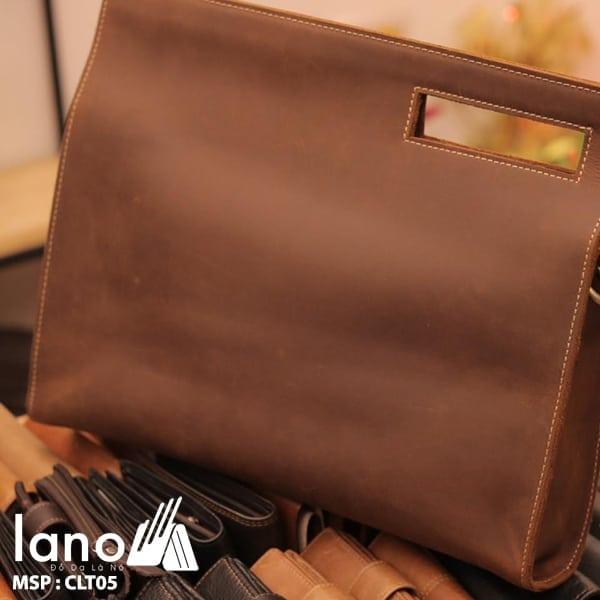 Túi da cầm tay cho nam Lano sang trọng lịch lãm CLT005 nghiêng - mặt sau