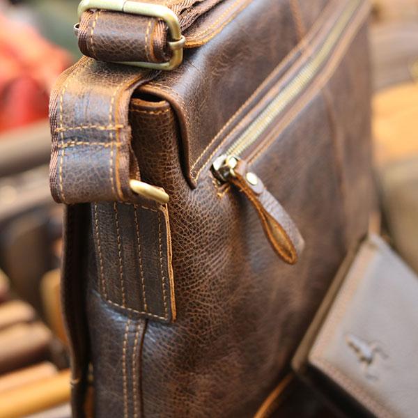 Cặp túi xách đeo chéo nam da thật Lano Contact 12Cặp túi xách đeo chéo nam da thật Lano Contact 12