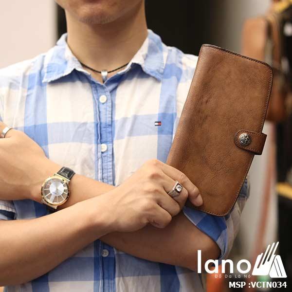 Ví cầm tay nam Lano da thật trẻ trung năng động VCTN034 - trên tay
