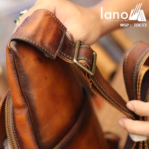 Túi da đeo trước ngựa nam Lano da bò thật TDL53 mặt sau