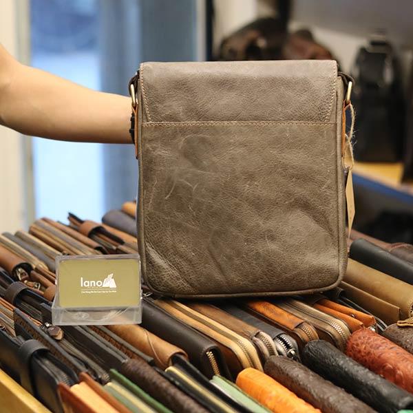 Túi đeo chéo da thật Jeep đựng iPad dạng hộp J35 - mặt sau