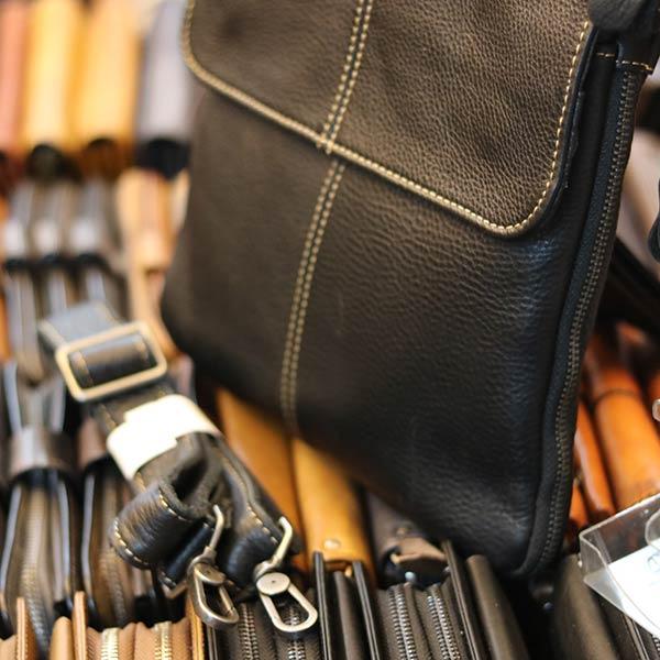 Túi đeo chéo siêu mỏng có nới ngăn mẫu mới 2019 dây đeo chéo