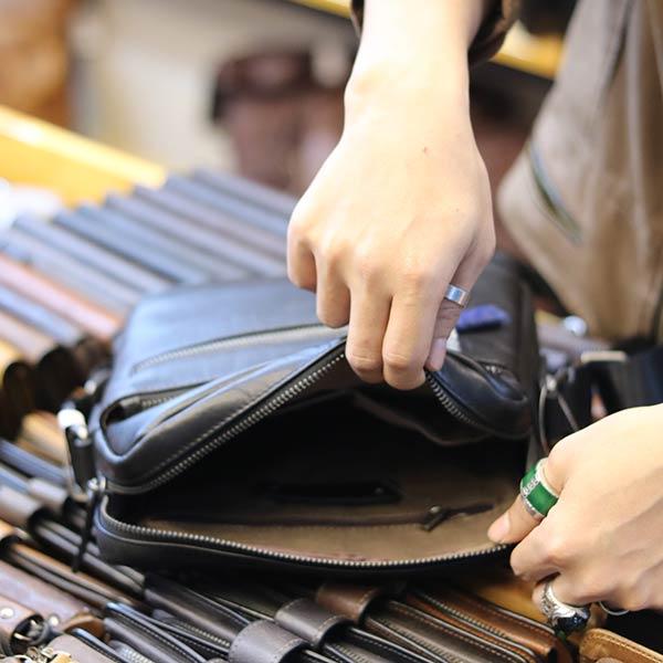 Túi da nam đeo chéo Lano thời trang cao cấp KT122 bên trong