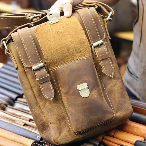 Túi đeo chéo nam da bò sáp khỏe khoắn mạnh mẽ KT132 mở nắp ngăn phụ