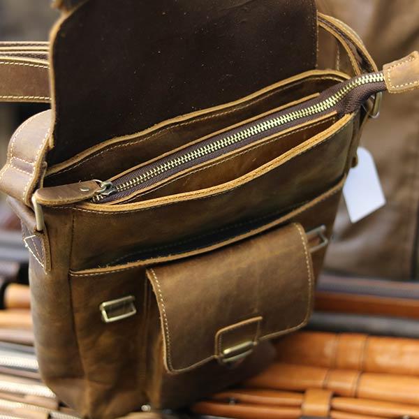 Túi đeo chéo nam da bò sáp khỏe khoắn mạnh mẽ KT132 ngăn chính có khóa kéo