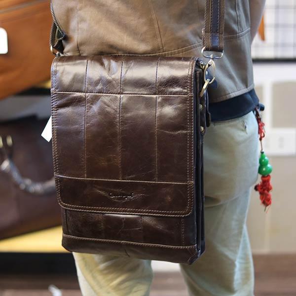 Túi đeo chéo nam đựng iPad da bò 2 ngăn đựng KT126 đeo chéo sau lưng