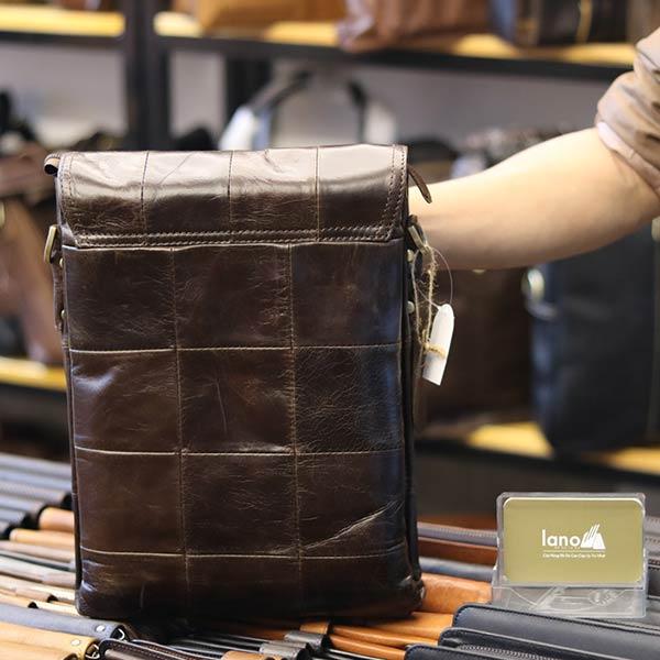 Túi đeo chéo nam đựng iPad da bò 2 ngăn đựng KT126 mặt sau