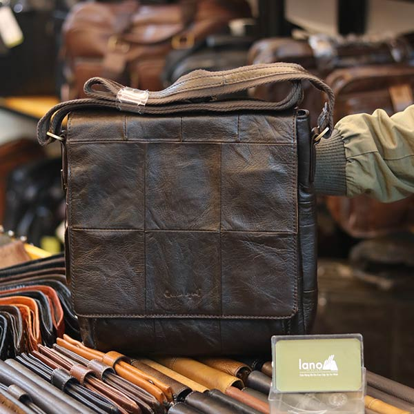 Túi da đeo chéo đựng iPad Lano da bò thật nắp đậy KT136