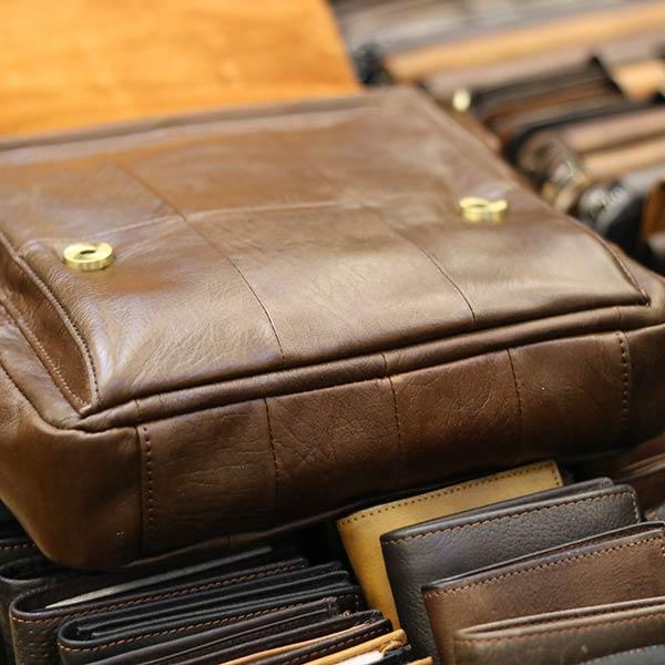 Túi da đeo chéo đựng iPad Lano da bò thật nắp đậy KT136 đáy túi